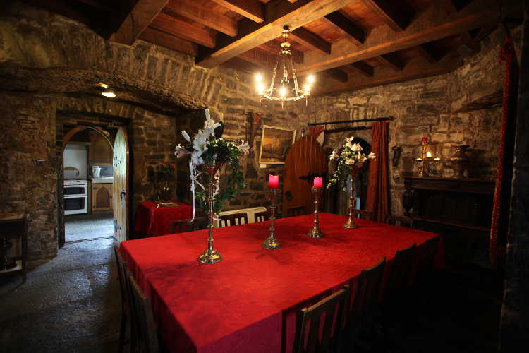 castle dining room rent an irish castle ballyhannon castle
